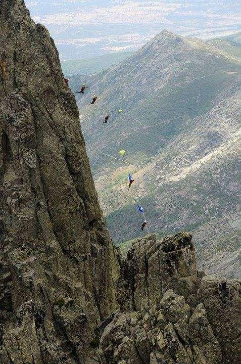 foto del salto Base de Carlos Suarez desde la Aguja Negra