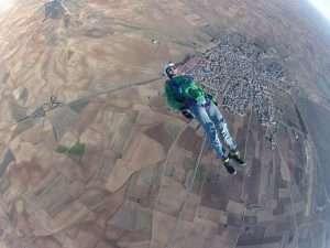 Darío Barrio volando de espaldas en Lillo.