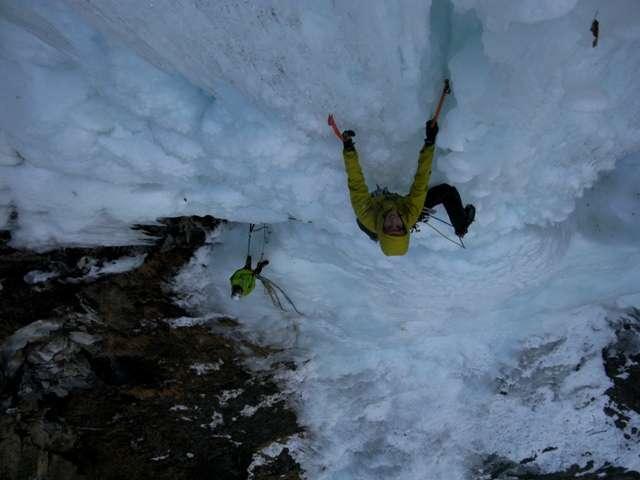 Segundo largo de Grottendatch, WI6, en Kaunertal, Austria (Foto:S. Padrós.www.dolomismo.com)